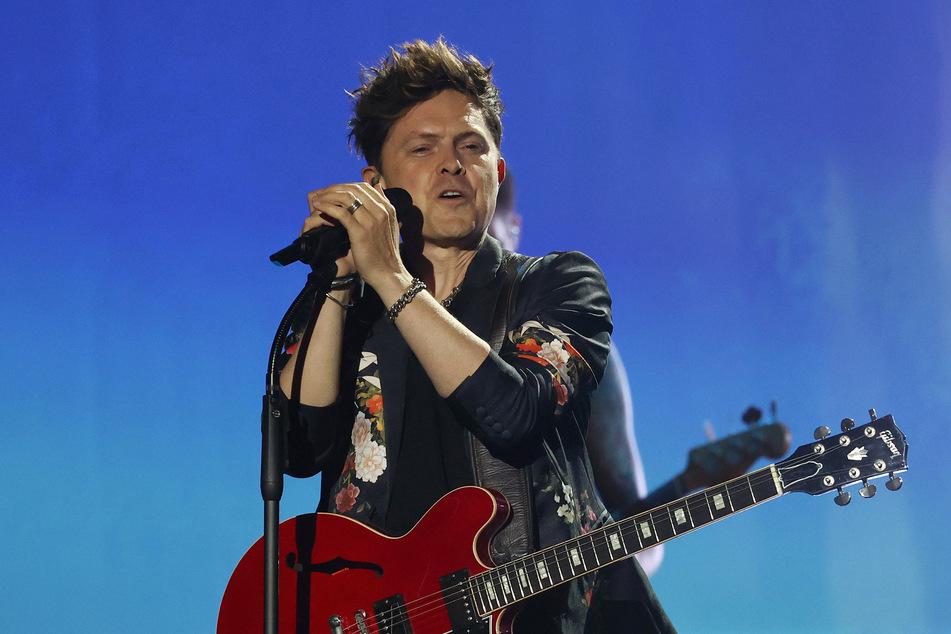 """Michael Patrick Kelly, Sänger und Musiker, steht während der Verleihung des 11. Deutschen Radiopreises auf der Bühne. Er wird an """"Sing meinen Song"""" kommendes Jahr nicht mehr teilnehmen."""