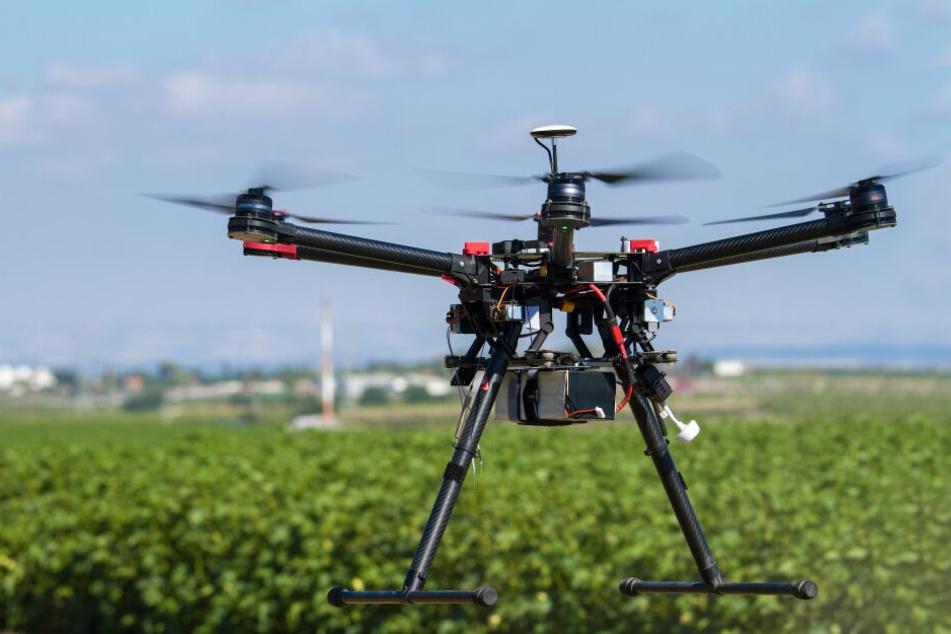 Leipzig: Vorsicht, Hochspannung! Drohnen-Test bei Leipzig erfolgreich