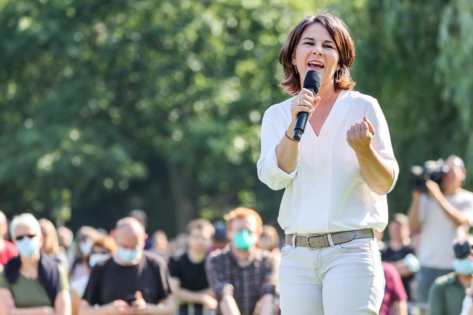 Kanzlerkandidatin Annalena Baerbock (40, Die Grünen) ist am Mittwoch bei einer Wahlkampfveranstaltung in Halle aufgetreten.