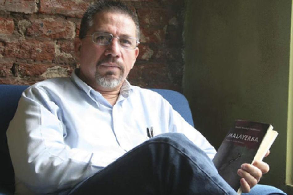 Auf der von Riodoce veröffentlichten undatierten Aufnahme sitzt der mexikanische Journalist Javier Valdez an einem unbekannten Ort.