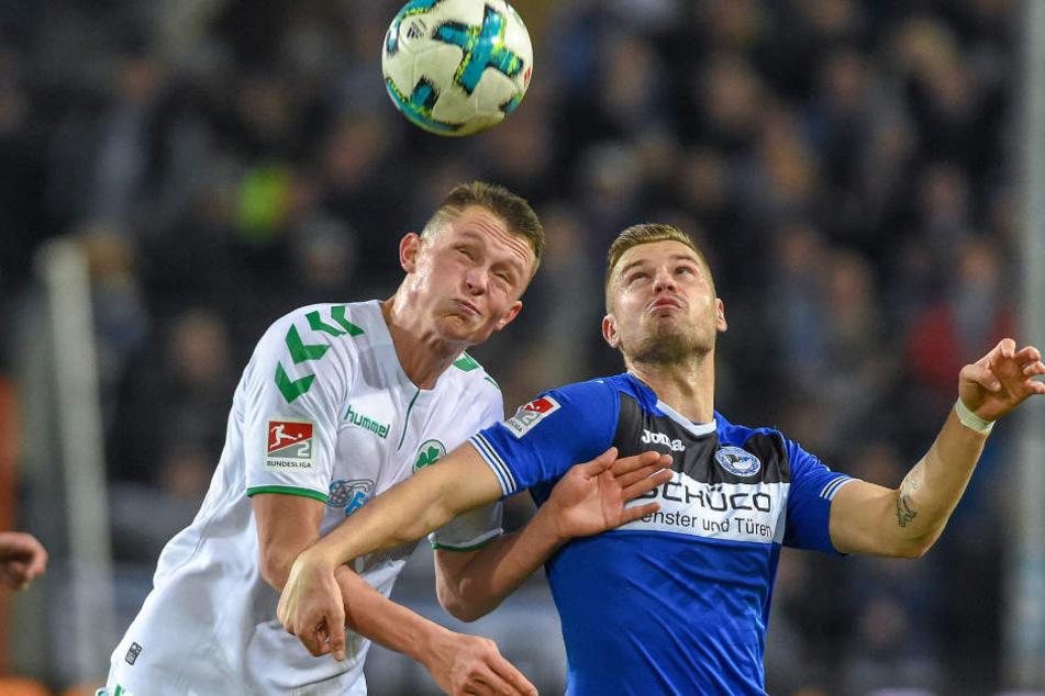 Florian Hartherz scheiterte gegen Greuther Fürth, wie Tom Schütz, am Pfosten.
