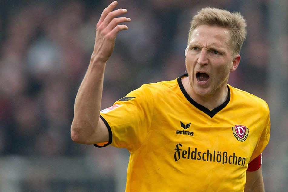 Er ackerte, er grätschte und er schimpfte: Dynamo-Kapitän Marco Hartmann war mit dem Auftritt seiner Truppe alles andere als einverstanden.