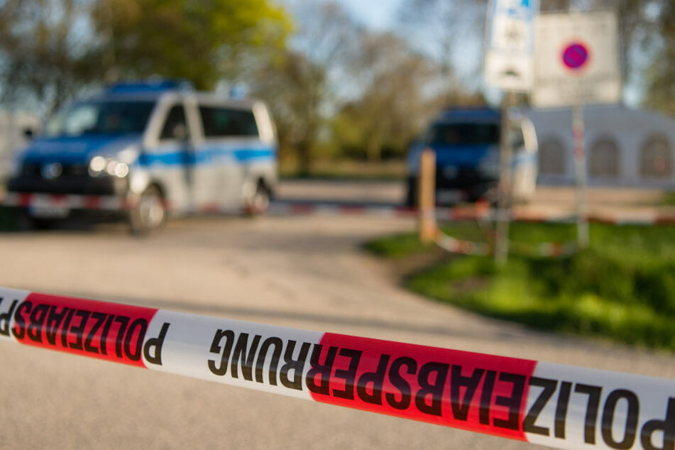 Der Vermisste wurde tot in einem Gebüsch neben einem Hotel aufgefunden. (Symbolbild)