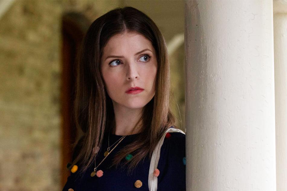 Stephanie Smothers (Anna Kendrick) macht sich auf die Suche nach ihrer Freundin Emily (Blake Lively) und begibt sich dabei auf gefährliches Terrain.