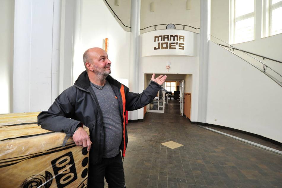 Eine Riesenhalle wird gemütlich: Dirk Gust will sein Lokal in mehrere Stuben unterteilen.