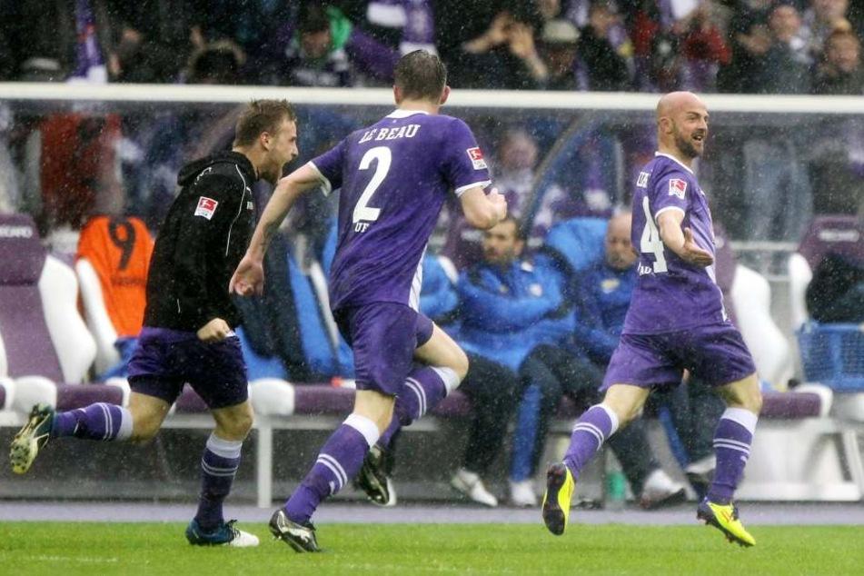 Hier rettet Skerdilaid Curri 2012 seinen FC Erzgebirge in der 67. Minute - wohlgemerkt in seinem letzten Spiel für die Veilchen!