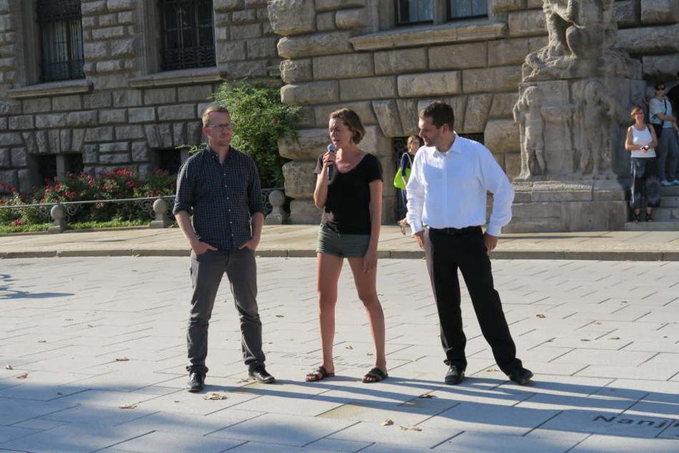 SPD-Fraktionschef Christopher Zenker (rechts), hier zusammen mit Norman Volger (Die Grüne) und Linken-Stadträtin Juliane Nagel, bei einer Demo im vergangenen Jahr.