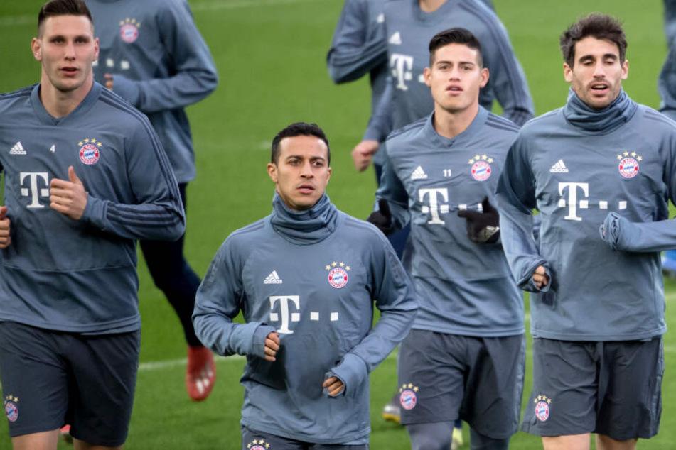 Der FC Bayern München muss an der Anfield Road gegen den FC Liverpool ran.