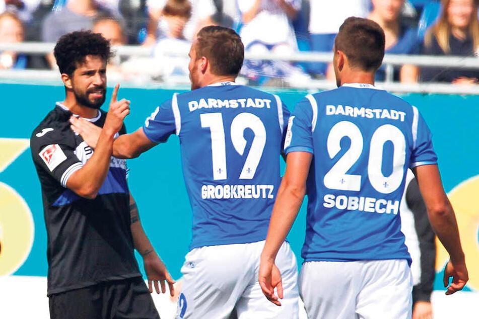 Keine Angst vor großen Namen! Beim Spiel in Darmstadt legte sich Nils Teixeira mit  Weltmeister Kevin Großkreutz an.