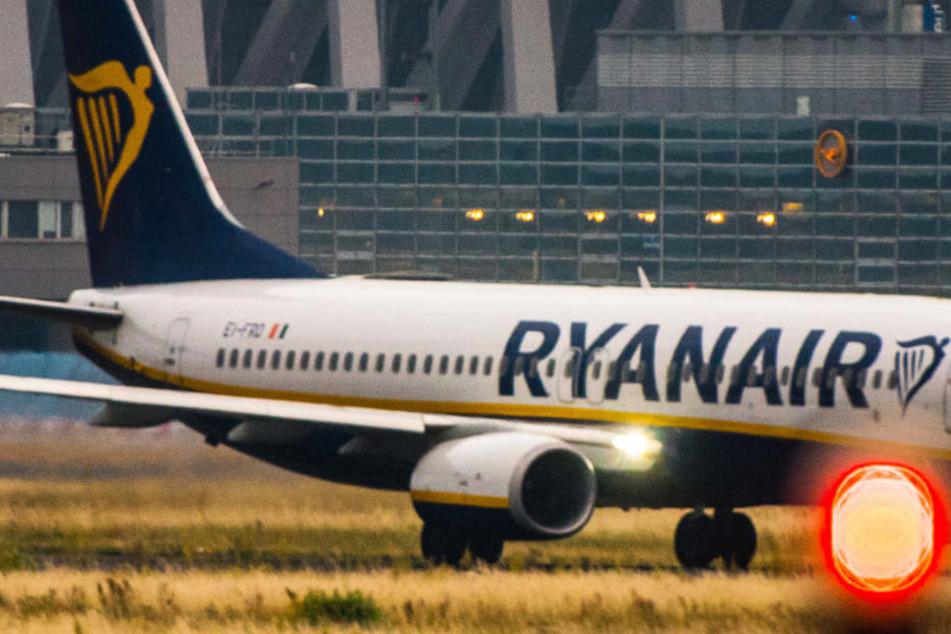 Die Piloten von Ryanair treten am Freitag in den Streik (Archivbild).