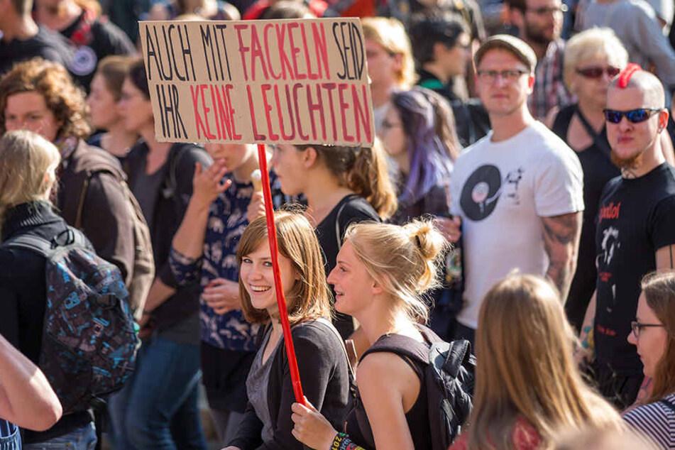 Mehr als 1000 Menschen demonstrierten am Mittwoch gegen Thügida.