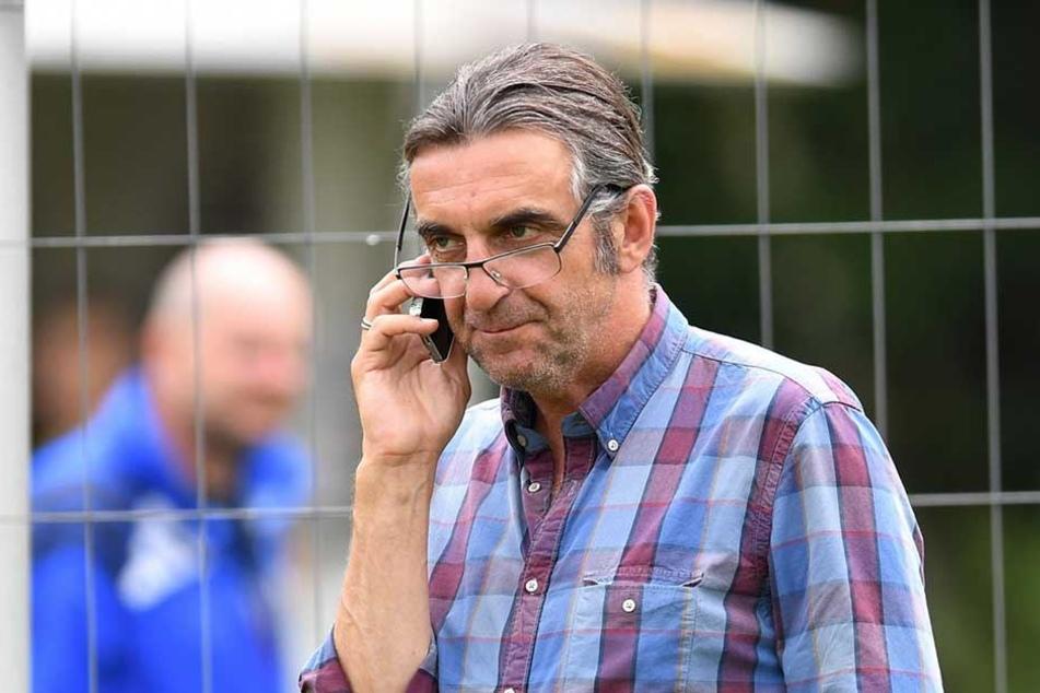 Nachricht angekommen? Dynamos Sportchef Ralf Minge will dem CFC helfen.