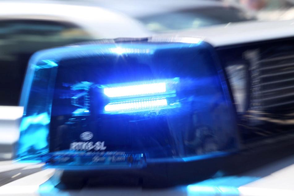 Ein Polizist wurde bei einem Einsatz verletzt.