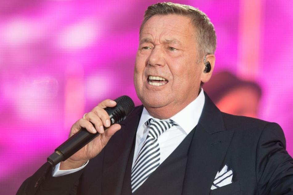 In seinem neuen Song kritisiert Roland Kaiser indirekt die Politik.