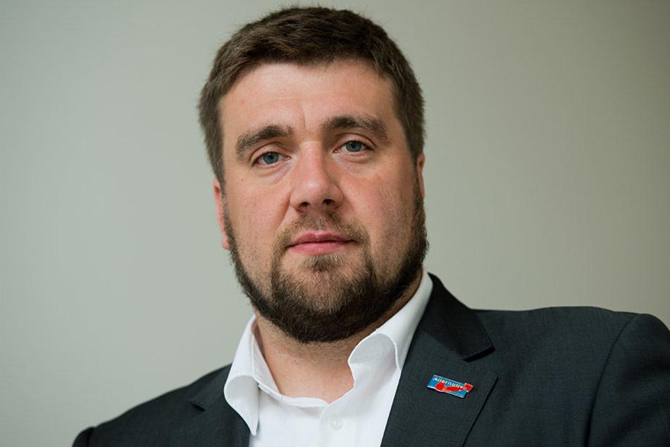 Auf das Bürgerbüro des Sächsischen AfD-Generalsekretärs Uwe Wurlitzer wurde in der Nacht zu Freitag ein Anschlag verübt.