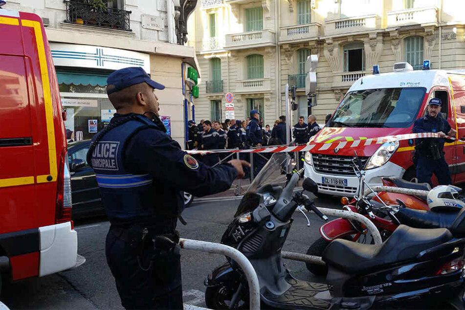In Paris ist ein Autofahrer bei einem Streit tödlich verletzt worden.