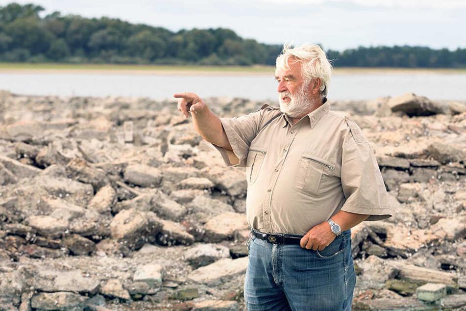 Ur-Malsitzer Rainer Sickert (73) - auch er besichtigte seine alte Heimat.