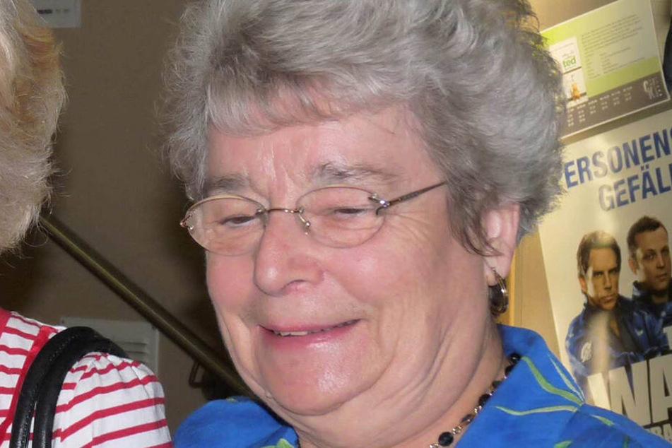 """Die """"Laconia""""-Überlebende Helen Charles (77) bei einem Besuch im Plauener Kino."""