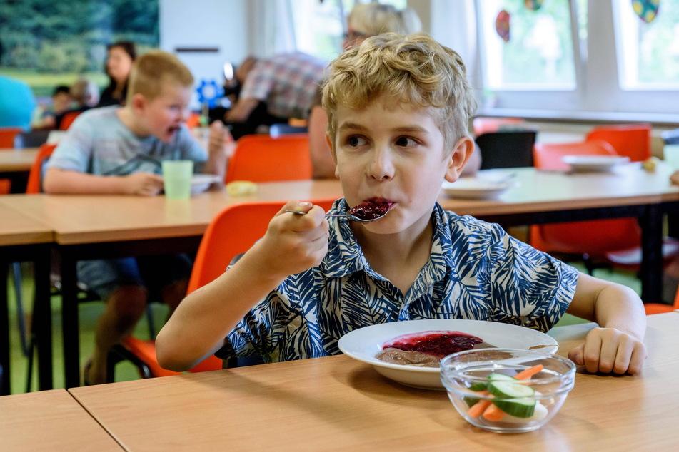Kampf um den Mampf: Wer an acht Chemnitzer Schulen für das Essen zuständig ist, musste erst ein Gerichtsstreit klären.