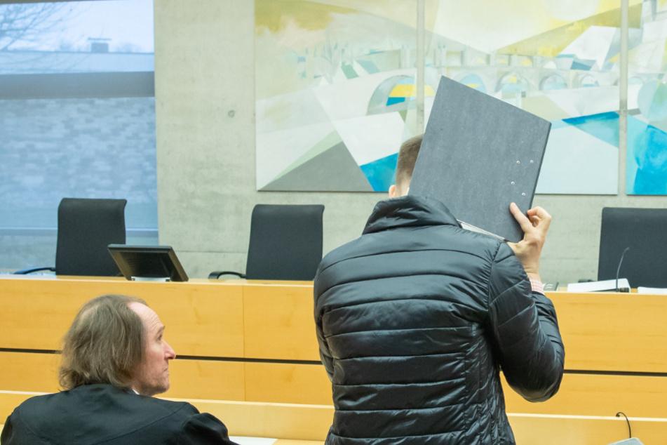 Logopäde soll sieben behinderte Jungen mehrfach missbraucht haben: Plädoyers beginnen!