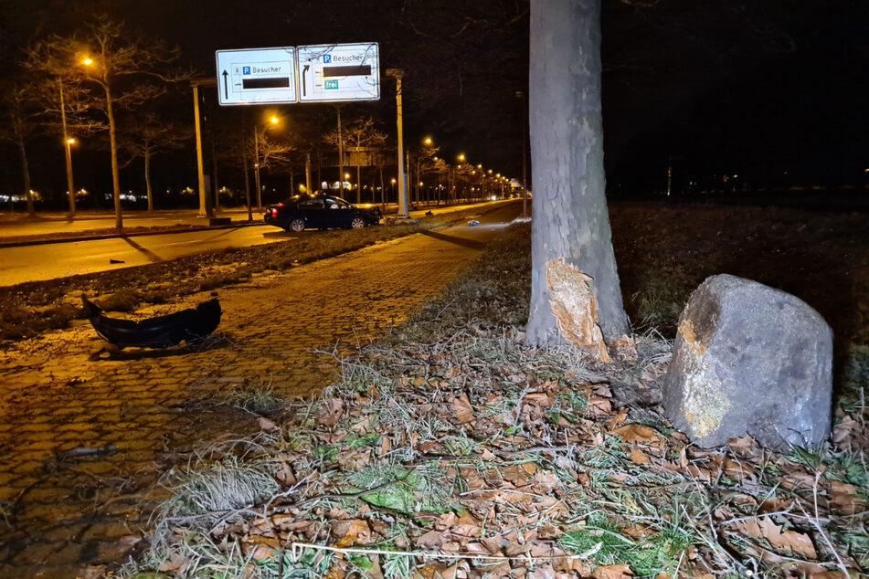 Zuerst war der Skoda gegen diesen Findling gekracht, der daraufhin gegen einen Baum geschleudert wurde.