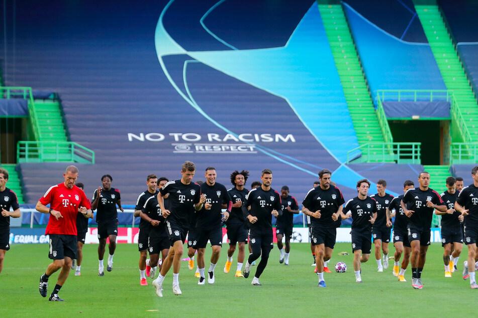 Mit einem offenen Brief richtet sich die Mannschaft des FC Bayern an ihre Fans auf der ganzen Welt.