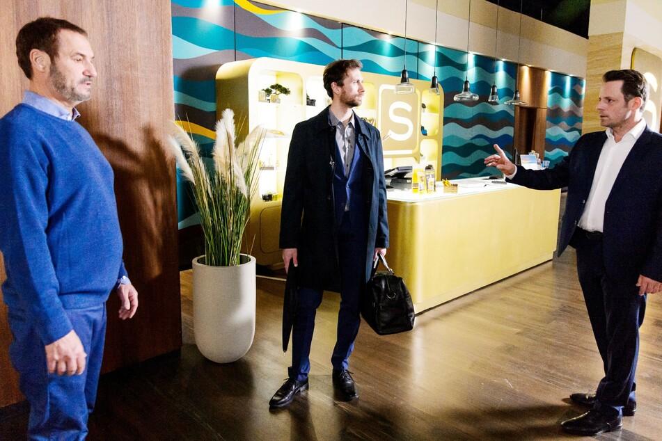 Richard (l.) will Bastian (M.) unter keinen Umständen einen Job in seinem Steinkamp-Zentrum verschaffen.