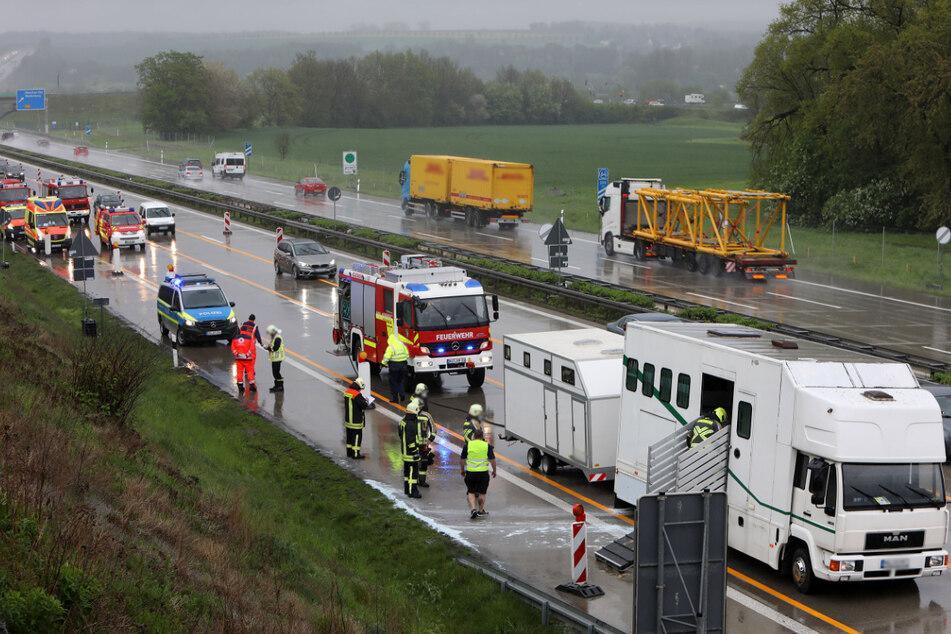 Am Mittwoch drohte auf der A4 ein Pferdetransporter in Flammen aufzugehen. Das Unglück passierte im Baustellenbereich an der Anschlussstelle Glauchau-Ost.