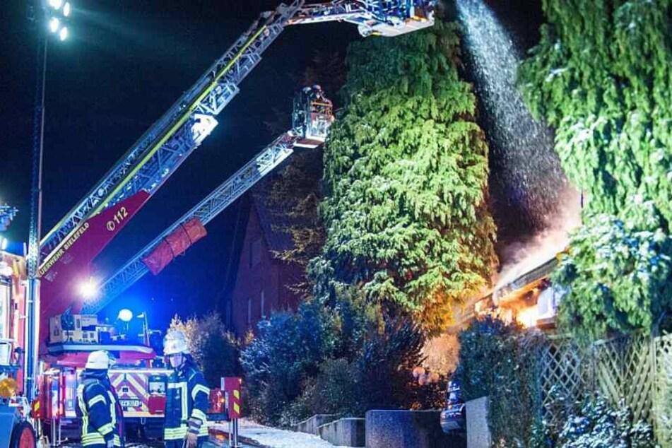 Die Feuerwehr versuchte lange das Feuer zu löschen.