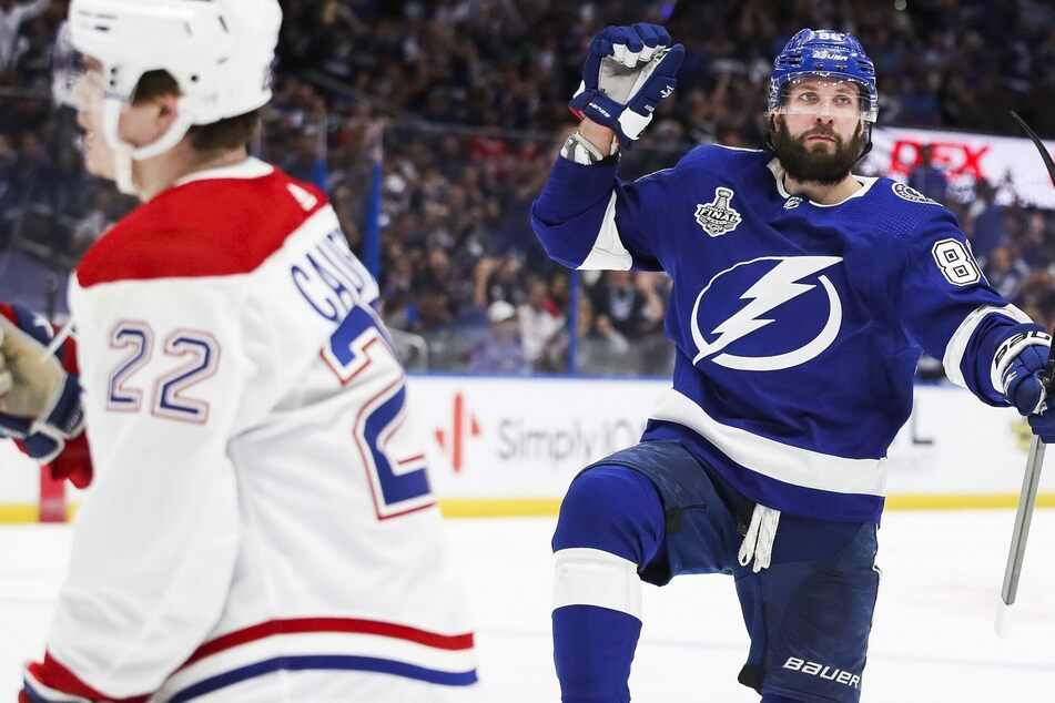 Stanley Cup Final: The Bolts beat down the Habs in a one-sided start to the series