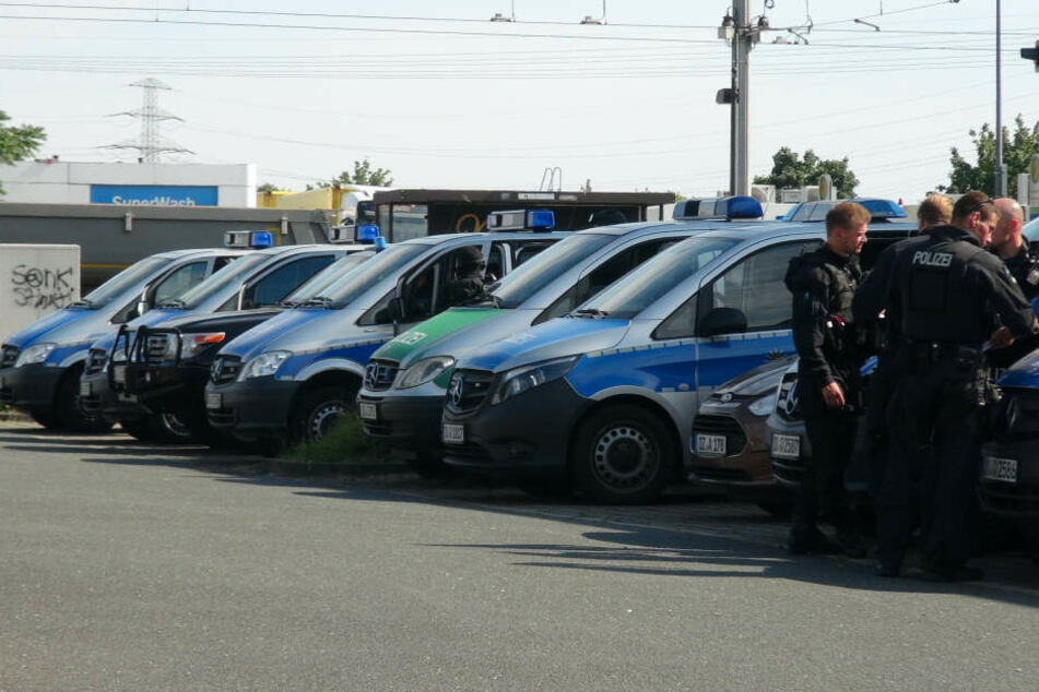 Die Polizei nahm den Hinweis der Zeugin ernst und startete eine große Suchaktion.