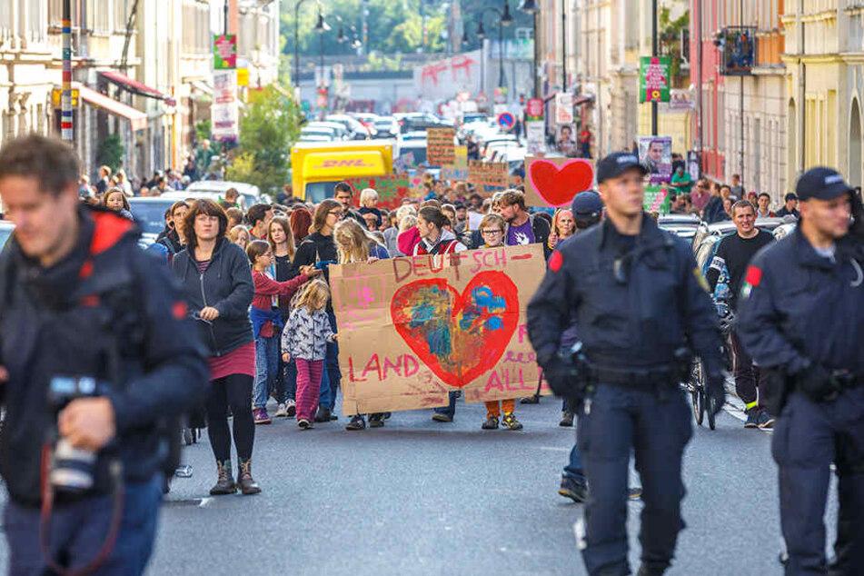 Dresdner demonstrieren gegen Abschiebung fünfköpfiger Familie