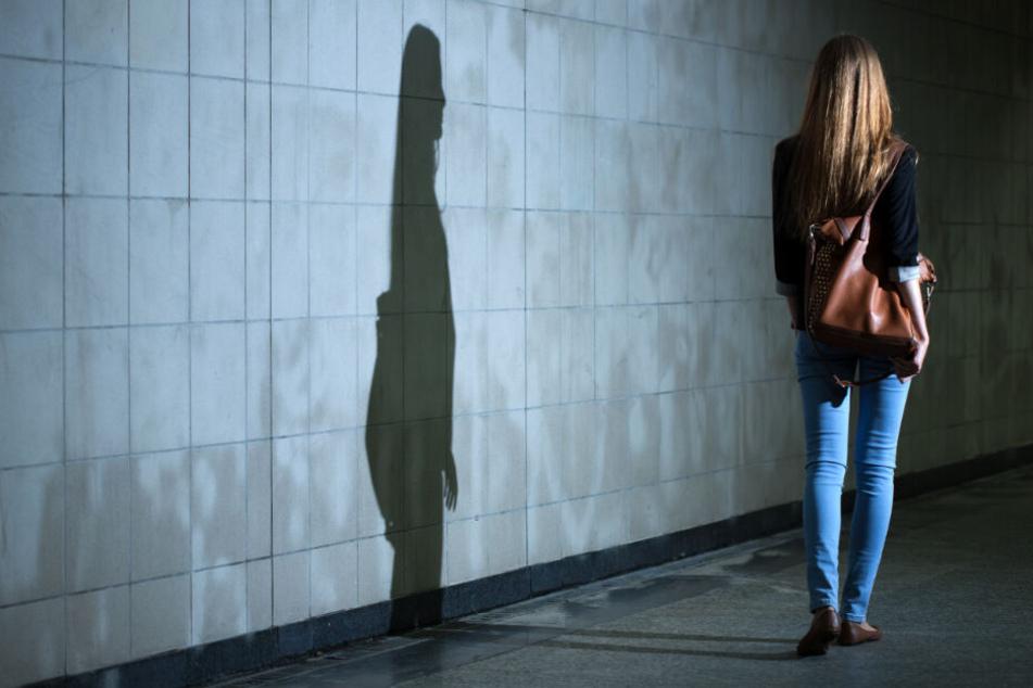 Sexualdelikte: Zwei Frauen nachts in Hamburg angegriffen