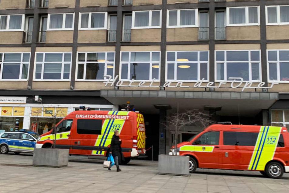 Hotel an der Oper evakuiert! Feuerwehr vor Ort