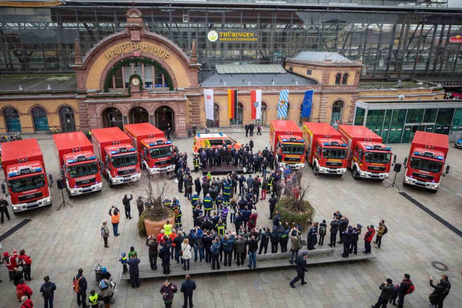 Neun neue Fahrzeuge gab es für die Feuerwehren entlang der neuen ICE-Strecke.