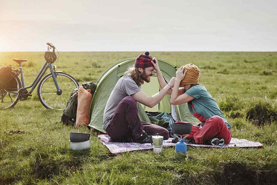 Wer seine Radreise mit Übernachtungen im Zelt plant, findet entlang der Strecke ausreichend Campingplätze.