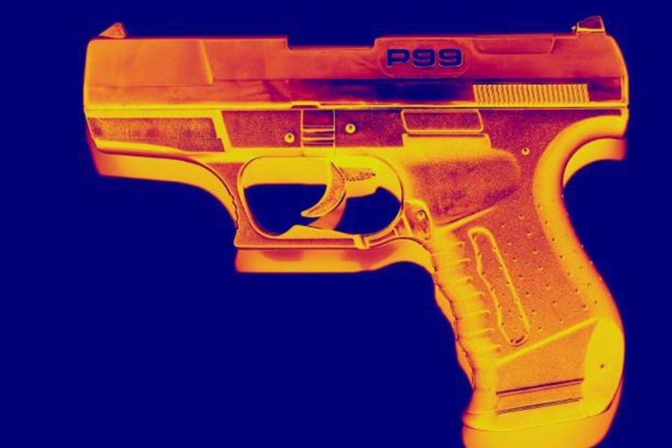 Die Mordwaffe, eine Walther PKK, gehörte Oma Mathilde. Auch sie musste bei dem Amoklauf ihrer Tochter sterben.