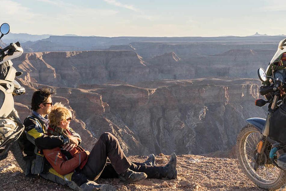 Unzählige unvergessliche Erinnerungen, wie dieser atemberaubende Blick über einen namibischen Canyon, hat das Paar im Laufe der Jahre gesammelt.