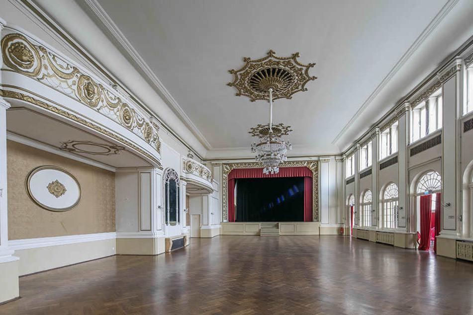 Einfach herrlich! Der Ballsaal (oben) könnte wieder öfter zu Veranstaltungen laden. Das legendäre Parkhotel einst war über Jahrzehnte Anlaufpunkt von Nachtschwofern.