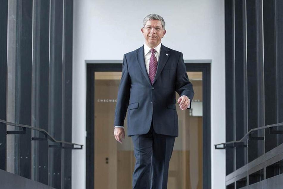 Rektor Klaus-Dieter Barbknecht (60) freut sich über die Top-Bewertung der Bergakademie.
