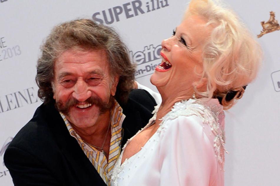 Hier läuft noch was: Dorit Gäbler (74) turtelt und lacht mit ihrem Ehemann Karl-Heinz Bellmann (70).