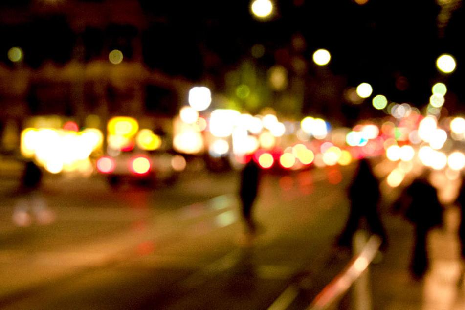 44-Jährige in Berlin von Auto erfasst: Jetzt ist sie tot!