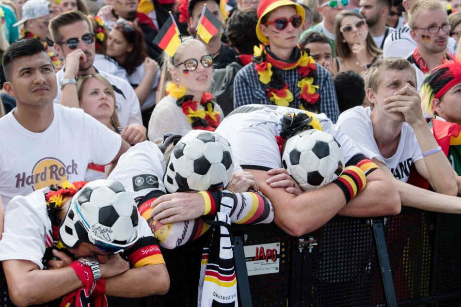 Die Stimmung ist nach dem Aus für Deutschland auf dem Tiefpunkt.