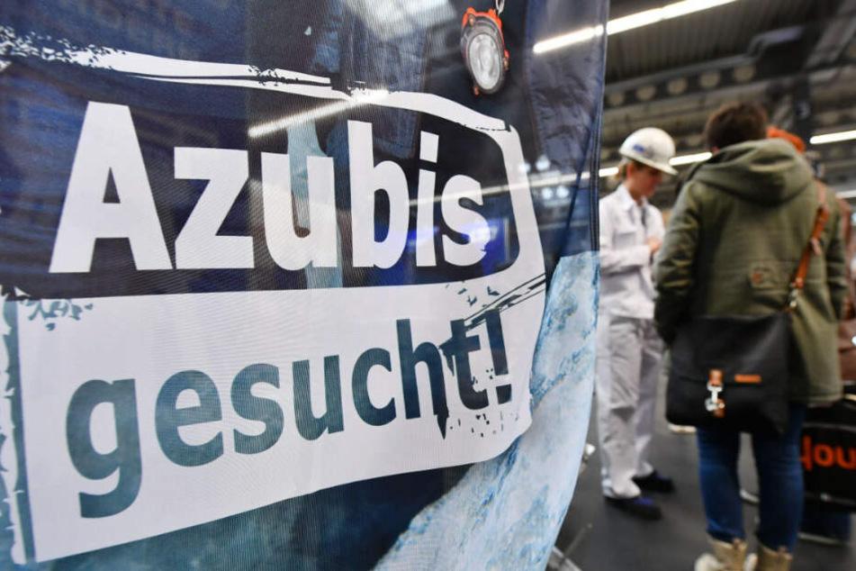 Im kommenden Jahr sollen Azubis mehr Geld erhalten.