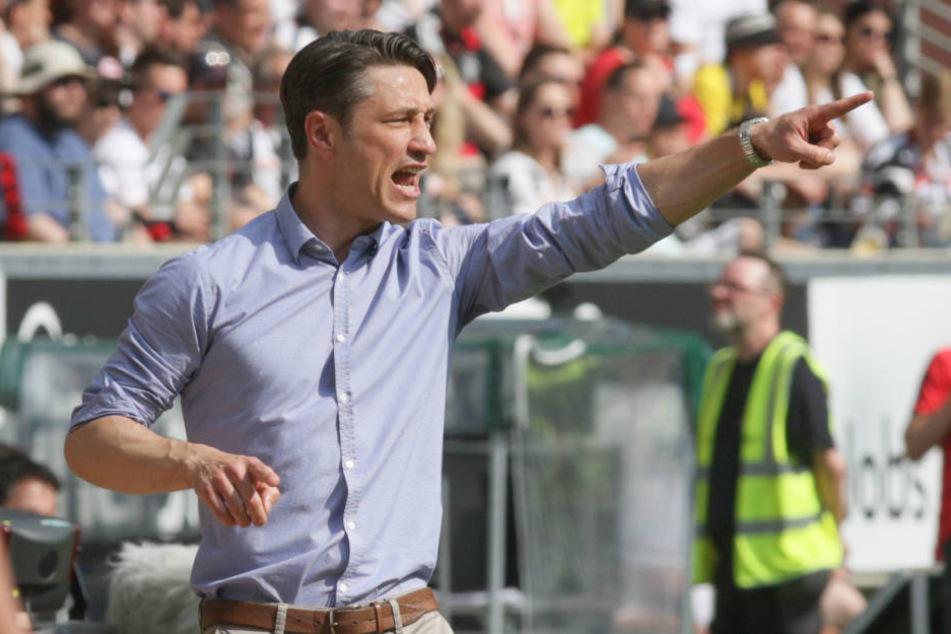 (Noch-) Eintracht-Coach Niko Kovac musste vor Spielbeginn ein Pfeifkonzert über sich ergehen lassen.