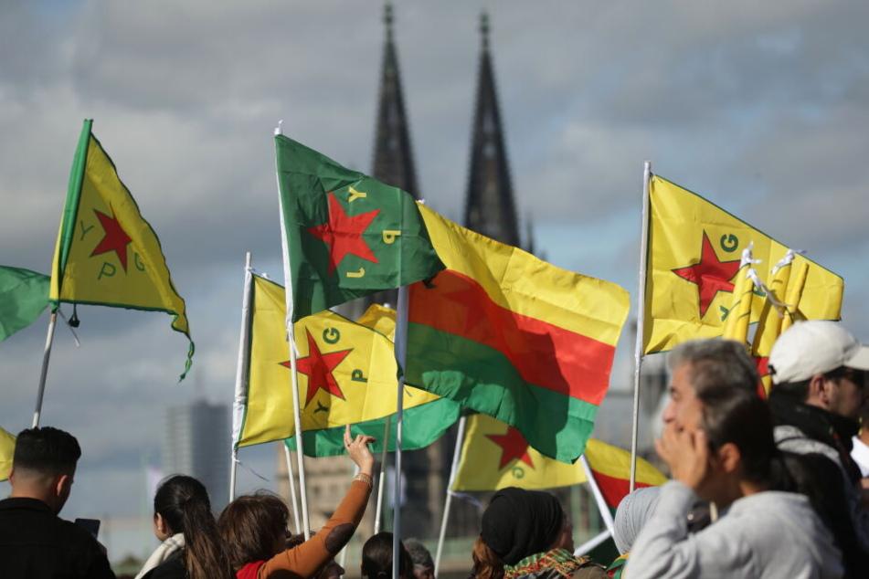 Bei der Demo in Köln kamen am Samstag mehrere Tausend Menschen zusammmen.