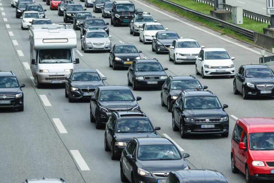 Im Norden werden am Wochenende volle Autobahnen erwartet.
