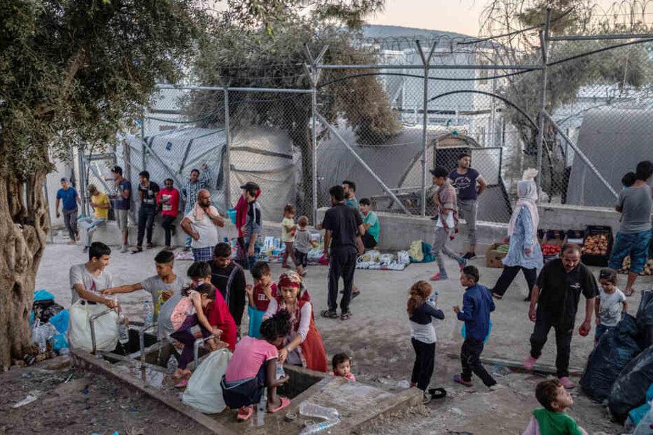 """""""Wir haben Platz"""" für Flüchtlingskinder: Berlin geht auf die Straße"""