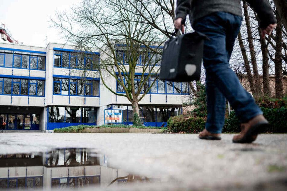 Schüler mobben Lehrer: Gymnasium streicht Klassenfahrten