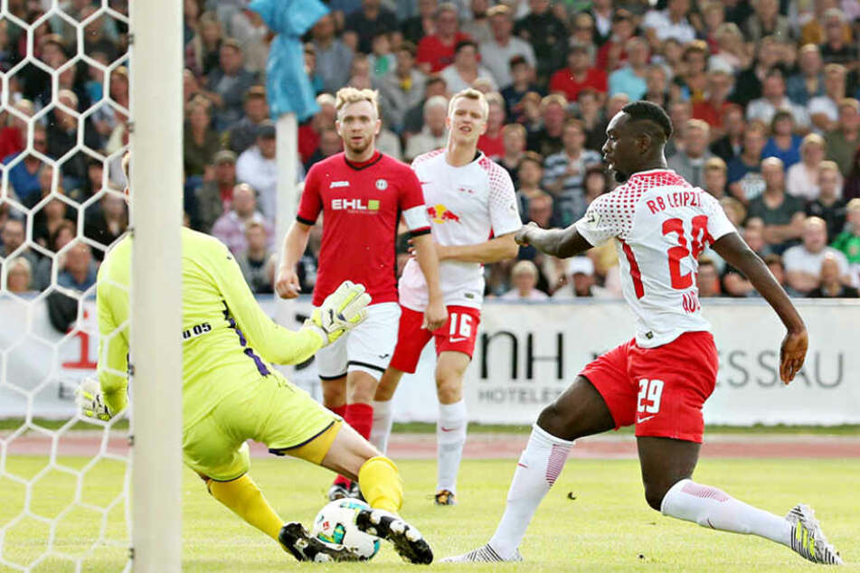 Neuzugang Jean-Kévin Augustin (20) landete gleich drei Treffer beim Testspiel gegen SV Dessau 05.